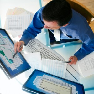 Businessman and Computer, QuickBooks Consulting in Nashville, Tennessee and surrounding